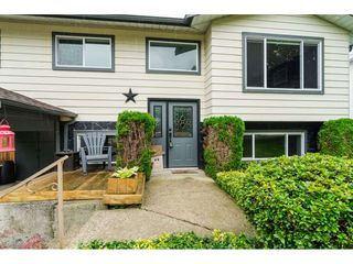 Photo 2: 3826 BALSAM Crescent in Abbotsford: Central Abbotsford House for sale : MLS®# R2407046