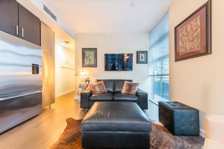 Photo 5: 304 38 W 1ST AVENUE in Vancouver: False Creek Condo for sale (Vancouver West)  : MLS®# R2424453