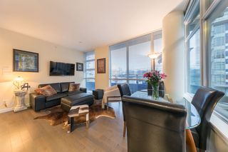 Photo 4: 304 38 W 1ST AVENUE in Vancouver: False Creek Condo for sale (Vancouver West)  : MLS®# R2424453