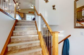 Photo 2: 16112 83 St: Edmonton House for sale