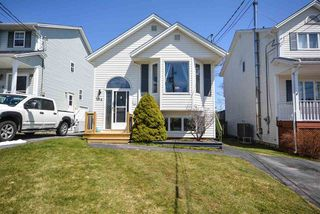 Main Photo: 206 Charles Road in Timberlea: 40-Timberlea, Prospect, St. Margaret`S Bay Residential for sale (Halifax-Dartmouth)  : MLS®# 202006917