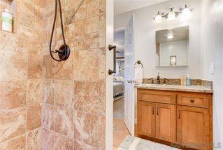 Photo 4: SOUTHEAST ESCONDIDO House for sale : 5 bedrooms : 1345 Loma de Naranjas in Escondido
