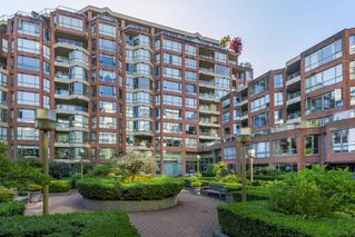 """Photo 14: 503 2201 PINE Street in Vancouver: Fairview VW Condo for sale in """"Meridian Cove"""" (Vancouver West)  : MLS®# R2481546"""
