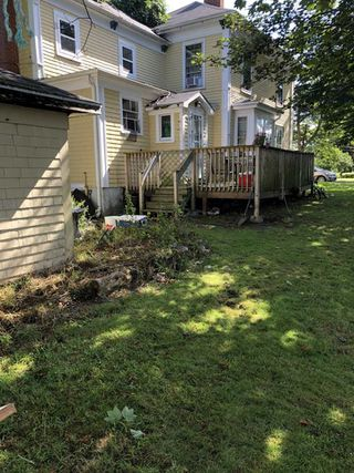 Photo 2: 8 Clements in Yarmouth: Town Central Multi-Family for sale : MLS®# 202015032