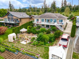 Photo 2: 6800 Buckley Bay Frontage Rd in : CV Union Bay/Fanny Bay House for sale (Comox Valley)  : MLS®# 855013