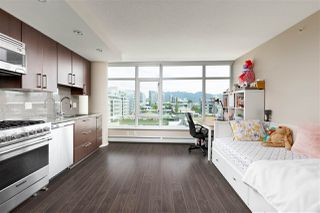 Photo 1: 803 168 W 1ST Avenue in Vancouver: False Creek Condo for sale (Vancouver West)  : MLS®# R2496013