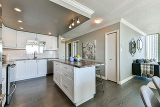 "Photo 16: 1501 1065 QUAYSIDE Drive in New Westminster: Quay Condo for sale in ""Quayside Tower 2"" : MLS®# R2518489"