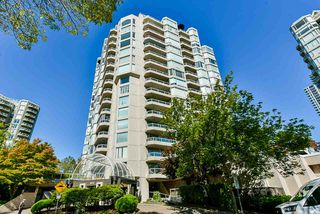 "Photo 4: 1501 1065 QUAYSIDE Drive in New Westminster: Quay Condo for sale in ""Quayside Tower 2"" : MLS®# R2518489"