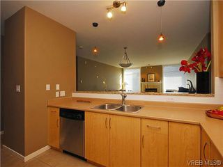 Photo 11: 206 330 Waterfront Cres in VICTORIA: Vi Rock Bay Condo Apartment for sale (Victoria)  : MLS®# 628331