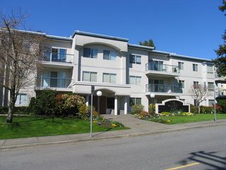 "Photo 1: # 204 1441 BLACKWOOD ST: White Rock Condo for sale in """"The Capistrano"""" (South Surrey White Rock)  : MLS®# F1306479"