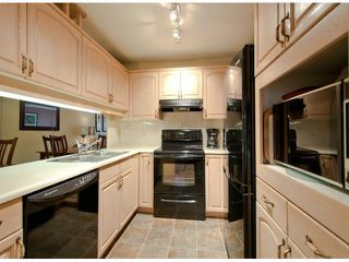 "Photo 5: # 204 1441 BLACKWOOD ST: White Rock Condo for sale in """"The Capistrano"""" (South Surrey White Rock)  : MLS®# F1306479"