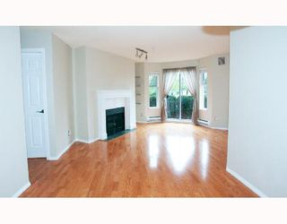 """Photo 3: # 104 1562 W 5TH AV in Vancouver: False Creek Condo for sale in """"GRYPHON COURT"""" (Vancouver West)  : MLS®# V704834"""