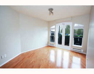 """Photo 6: # 104 1562 W 5TH AV in Vancouver: False Creek Condo for sale in """"GRYPHON COURT"""" (Vancouver West)  : MLS®# V704834"""