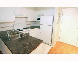 """Photo 2: # 104 1562 W 5TH AV in Vancouver: False Creek Condo for sale in """"GRYPHON COURT"""" (Vancouver West)  : MLS®# V704834"""