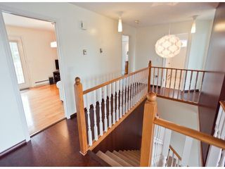 """Photo 4: 18865 61A Avenue in Surrey: Cloverdale BC House for sale in """"Falcon Ridge"""" (Cloverdale)  : MLS®# F1312984"""