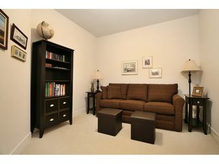 Photo 8: # 205 16433 64 AV in Surrey: Cloverdale BC Condo for sale (Cloverdale)  : MLS®# F1436529