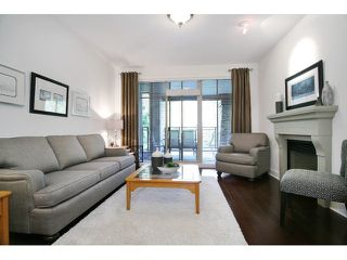 Photo 2: # 205 16433 64 AV in Surrey: Cloverdale BC Condo for sale (Cloverdale)  : MLS®# F1436529