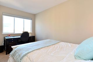 Photo 12: 401 15941 Marine Drive: White Rock Condo for sale (South Surrey White Rock)  : MLS®# R2048515