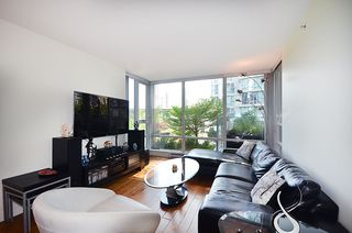 Photo 3: 501 1495 RICHARDS STREET in Vancouver: Yaletown Condo for sale (Vancouver West)  : MLS®# R2137115