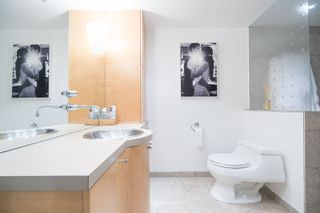 Photo 15: 2411 W 1ST AVENUE in Vancouver: Kitsilano Townhouse for sale (Vancouver West)  : MLS®# R2140613