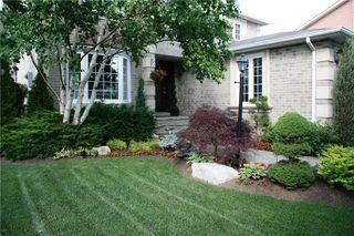 Photo 2: 2055 Mayflower Blvd in : 1015 - RO River Oaks FRH for sale (Oakville)  : MLS®# 30639777