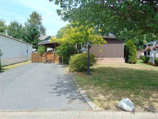 "Photo 1: 117 145 KING EDWARD Street in Coquitlam: Maillardville Manufactured Home for sale in ""MILL CREEK VILLAGE"" : MLS®# R2408548"