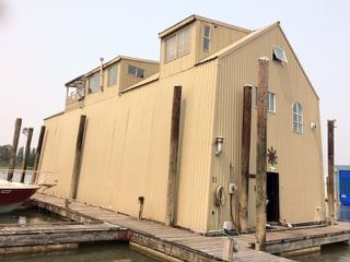 "Main Photo: BH21 8031 RIVER Road in Richmond: Bridgeport RI House for sale in ""SKYLINE MARINA"" : MLS®# R2493469"