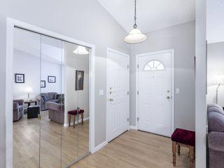 Photo 2: 46 303 TWIN BROOKS Drive in Edmonton: Zone 16 House Half Duplex for sale : MLS®# E4217635