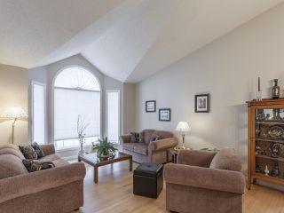 Photo 3: 46 303 TWIN BROOKS Drive in Edmonton: Zone 16 House Half Duplex for sale : MLS®# E4217635