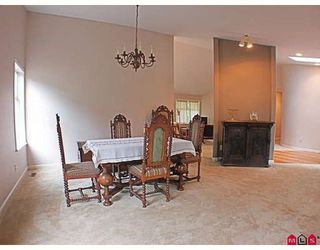 Photo 3: 2385 130 Street in Huntington Park: Home for sale : MLS®# F2918381