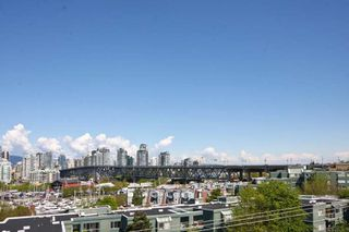 Photo 11: 402 1630 W.1st Avenue in The Galleria: False Creek Home for sale ()