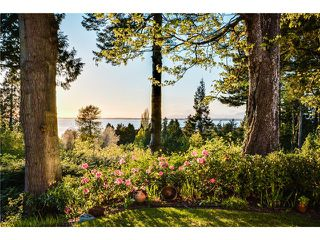 Photo 2: 2599 CRESCENT DR in Surrey: Crescent Bch Ocean Pk. House for sale (South Surrey White Rock)  : MLS®# F1409827