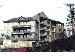 Photo 1: 203 940 Boulderwood Rise in VICTORIA: SE Broadmead Condo Apartment for sale (Saanich East)  : MLS®# 292160
