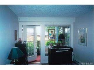 Photo 5: 203 940 Boulderwood Rise in VICTORIA: SE Broadmead Condo Apartment for sale (Saanich East)  : MLS®# 292160