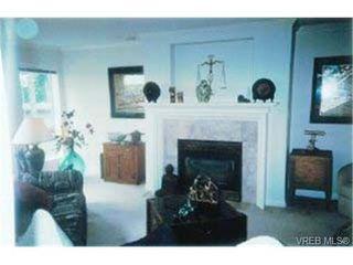 Photo 7: 203 940 Boulderwood Rise in VICTORIA: SE Broadmead Condo Apartment for sale (Saanich East)  : MLS®# 292160