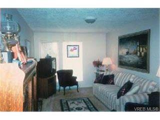Photo 6: 203 940 Boulderwood Rise in VICTORIA: SE Broadmead Condo Apartment for sale (Saanich East)  : MLS®# 292160