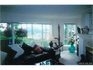 Photo 3: 203 940 Boulderwood Rise in VICTORIA: SE Broadmead Condo Apartment for sale (Saanich East)  : MLS®# 292160
