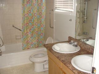 Photo 11: 3554 42 ST NW in Edmonton: Zone 29 Townhouse for sale : MLS®# E4016094