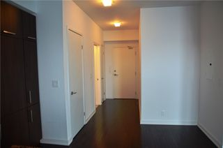 Photo 9: 14 York St Unit #4003 in Toronto: Waterfront Communities C1 Condo for sale (Toronto C01)  : MLS®# C3706392