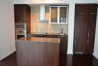 Photo 10: 14 York St Unit #4003 in Toronto: Waterfront Communities C1 Condo for sale (Toronto C01)  : MLS®# C3706392