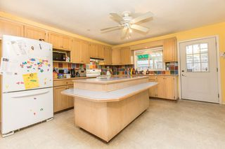 Photo 3: 33720 Dewdney Trunk Rd in Mission: Mission BC House for sale : MLS®# R2119376