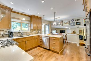"""Photo 13: 3655 LYNNDALE Crescent in Burnaby: Government Road House for sale in """"Government Road Area"""" (Burnaby North)  : MLS®# R2388114"""