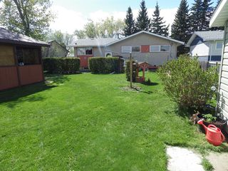 Photo 2: 5603 Drader Crescent in Rimbey: Residential for sale : MLS®# CA0191752