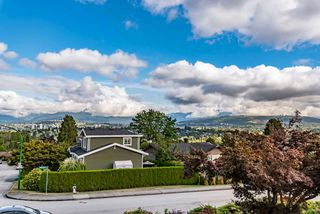 Photo 2: 5006 GRAFTON Street in Burnaby: Forest Glen BS House for sale (Burnaby South)  : MLS®# R2468799