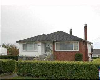 Main Photo: 5608 CLINTON Street in Burnaby: South Slope House for sale (Burnaby South)  : MLS®# R2485188