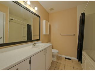 "Photo 8: 6936 134 ST in Surrey: West Newton House 1/2 Duplex for sale in ""Bentley"" : MLS®# F1309630"