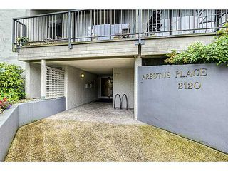 "Photo 2: 506 2120 W 2ND Avenue in Vancouver: Kitsilano Condo for sale in ""ARBUTUS PLACE"" (Vancouver West)  : MLS®# V1013797"