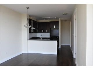 """Photo 5: 706 170 W 1ST Street in North Vancouver: Lower Lonsdale Condo for sale in """"ONE PARK LANE"""" : MLS®# V1016592"""