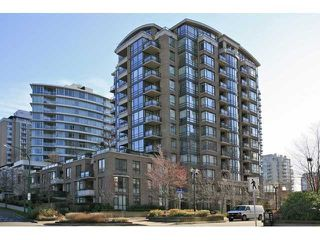 """Photo 1: 706 170 W 1ST Street in North Vancouver: Lower Lonsdale Condo for sale in """"ONE PARK LANE"""" : MLS®# V1016592"""