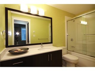 Photo 5: 108 7777 ROYAL OAK Avenue in BURNABY: South Slope Condo for sale (Burnaby South)  : MLS®# V943603